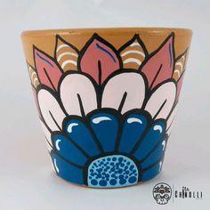 Flower Pot Art, Flower Pot Design, Flower Pot Crafts, Clay Pot Crafts, Painted Plant Pots, Painted Flower Pots, Pottery Painting Designs, Pottery Art, Diy Garden Projects