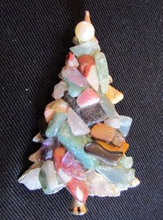 jade chunks atop 14KT White Gold Plated Christmas Tree Brooch ~ Pearl Topper: