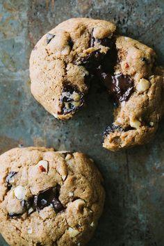 Dark Chocolate Chunk Spelt Cookies and iZōsh -