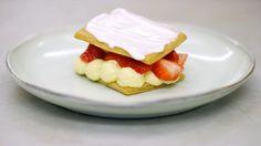 Eén - Dagelijkse kost - tompoes met yoghurt en aardbeien