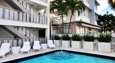 Crest Hotel Suites - Miami Beach