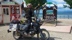 El cordobés Xuankar del Mas Gas Club, llega con su moto a #Ushuaia, el fin del mundo. #Tumotoweb #NoticiasTMW #Motos #Motorcycles #Bikers #Mototurismo #XuankarWorldTrip #Vueltaalmundo #Rutasenmoto