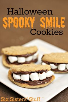 Halloween Spooky Smile Cookies from SixSistersStuff.com. A couple shortcuts make these easy to whip up for a Halloween party! #halloween #treats #dessert