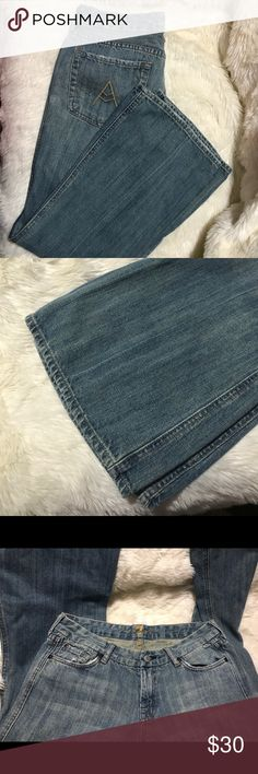 """7 For All Mankind medium wash flare 31/30 7 For All Mankind flare jeans in perfect condition, size 31. Like new condition. 30"""" inseam 7 For All Mankind Jeans Flare & Wide Leg"""