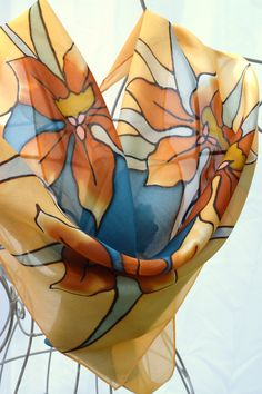 Hand painted silk scarves with matching handbag. Unique gifts for special occasions. Paper art - paper flowers inside pop up box, keepsake. Hand Painted Dress, Painted Clothes, Painted Silk, Batik Art, Silk Art, Stencil Art, Neck Scarves, Fabric Painting, Paint Designs