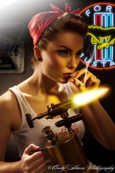 What an awesome pinup photo.. dark and way cool.