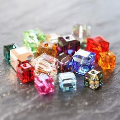 Swarovski®️ Cube Beads perfect for jewellery making and can be used for nail art. They come in three sizes and so many pretty colours. We stock the full range in both small & wholesale packs. Take a look at our fabulous Online Store & Mobile App