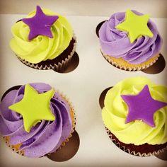 Bright birthday cupcakes #bakeandcakehouse