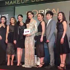 "Live!! 'ชมพู่-อารยา'ควงแขนเพื่อนซี้ 'โมเม-นภัสสร' บิวตี้กูรู พูดคุยอัพเดตเทรนด์เมกอัพ ในงาน ""L'OREAL Paris Makeup Designer… It's Our Cannes 2016"" ที่ ควอเทียร์ แกลลอรี่ ห้างดิ เอ็มควอเทียร์ (Live9 /21/4/2016)"