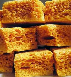 Honeycomb is easy to make at home but care is needed as the hot toffee expands very quickly and can burn the skin if spilt (how to bake cookies homemade) Honeycomb Recipe, Honeycomb Candy, How To Make Honeycomb, Candy Recipes, Sweet Recipes, Dessert Recipes, Fudge Recipes, Toffee Recipe, Desserts