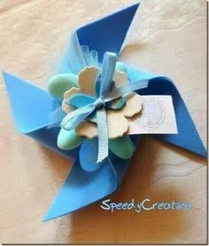 SpeedyCreativa bomboniere - Wedding İdees in 2019 Baby Crafts, Felt Crafts, Diy And Crafts, Crafts For Kids, Cadeau Communion, Wedding Favors, Party Favors, Favours, Moldes Para Baby Shower