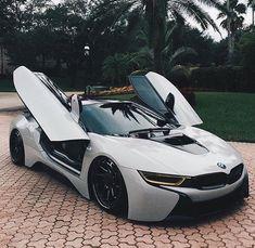 Rolls Royce – One Stop Classic Car News & Tips Luxury Sports Cars, Exotic Sports Cars, Cool Sports Cars, Best Luxury Cars, Sport Cars, Exotic Cars, Sport Bikes, Maserati, Bugatti