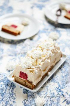 Un dejeuner de soleil: Bûche Mont-blanc aux marrons et coeur de framboise...