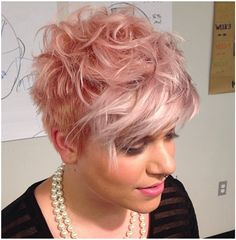 Cute short haircut with awesome color! Thanks to Wade Gordon Academy and TIGI! Pink Short Hair, Short Curly Hair, Short Hair Cuts, Short Hair Styles, Buzz Cut Hairstyles, Hairstyles Over 50, Curly Hairstyles, Buzz Cut Women, Redheads Freckles