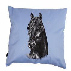 Podusia z malowaną poszewką zapinaną na rzep - rozmiar 40cm x 40cm.Wizerunek konia trwały - można prać.