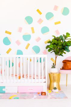 You belong to those groups individuals who rarely worry about glamour as well as over-the-top designs for your home, then this is definitely your current cup of joe. Check this out article for 25 diy home decor ideas on budget. Nursery Wall Decor, Nursery Themes, Room Decor, Nursery Ideas, Nursery Furniture, Nursery Room, Baby Room, Bedroom Ideas, Spray Paint Projects