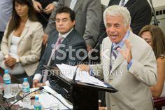 Córdoba, Argentina - 1 de febrero 2014: José Manuel de la Sota, Gobernador de la Provincia de Córdoba, Argentina. Por Ahí ONU de la estafa grande GRUPO, no está anunciando do imprimación Discurso anual y Presentación de Las Nuevas Secciones ORDINARIAS de la Lesgilatura Provincial.