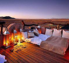 Little Kulala Lodge - Namibia Ik zou deze plek zeker wel eens willen bezoeken het ziet er super mooi en gezellig uit!