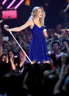 Taylor Swift Photos - Taylor Swift And Taylor Lautner On The Set Of 'Valentine's Day' - Zimbio