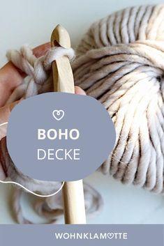 """Wir machen mit dem """"we are knitters"""" Strickset für die Samasana Decke eine Häkeldecke im Boho Stil. Boho Stil, Place Card Holders, Diy, Mantas Crochet, Creative, Homes, Bricolage, Handyman Projects, Do It Yourself"""