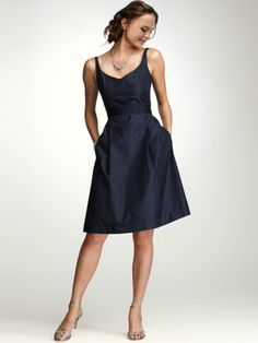 A-line Taffeta V-neck Straps Zipper Sleeveless Knee-length Bowknot Pockets Cocktail/Evening Dresses