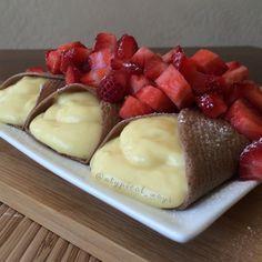 Ingredients: 1 Scoop (30grams) of @plantfusion Chocolate protein powder 3 egg whites 7ozs of unsweetened Vanilla Almond Milk - DIVIDED 50grams Vanilla fat free Greek Yogurt 12grams of unprepared Su...