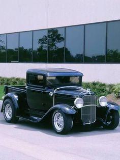 Vintage Trucks Muscle Photographic Print: 1932 Ford model B customised truck : Classic Pickup Trucks, Old Pickup Trucks, Ford Classic Cars, Hot Rod Trucks, New Trucks, Cool Trucks, Chevy Classic, Lifted Trucks, Jeep Pickup