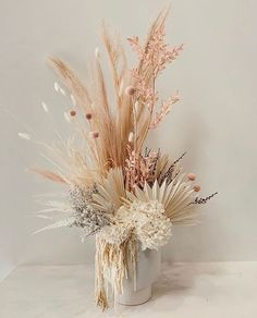 is an Australian based floral goddess who makes the prettiest bunches! How gorg would this be for a boho floral centerpiece or bridal bouquet Boho Wedding, Floral Wedding, Wedding Bouquets, Wedding Flowers, Dried Flower Bouquet, Dried Flowers, Deco Floral, Floral Design, Deco Champetre