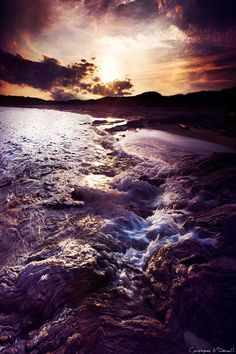 How to photograph a sunset with surreal effects