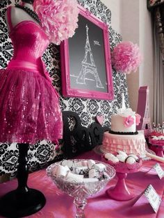 For a little girl who loves pink and loves to dress-up, this party by Lauren, of Capes and Crowns, is a birthday wish come true! A party styled with parisian… Paris Themed Birthday Party, Birthday Party Themes, Girl Birthday, 10th Birthday, Birthday Ideas, Paris Sweet 16, Sweet 15, Parisian Party, Rose Fuchsia