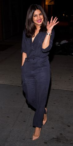 Priyanka Chopra in a navy jumpsuit and nude heels - click ahead for more celebrity summer outfit ideas! Bollywood Fashion, Bollywood Actress, Celebrity Outfits, Celebrity Style, Priyanka Chopra Hot, Nick Jonas, Armani Prive, Celebrity Red Carpet, Swagg
