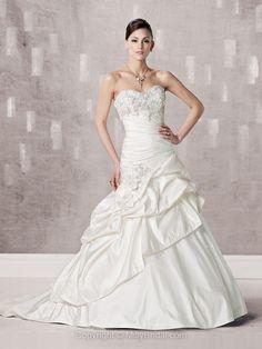 A-line Sweetheart Taffeta Organza Court Train White Appliques Wedding Dresses at Millybridal.com