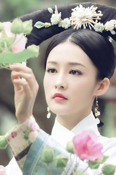 Inner Palace:Legend of Ruyi 《后宫·如懿传》 - Wallace Huo, Zhou Xun, Janine Chang - Page 8 Qianlong Emperor, Wallace Huo, Princess Agents, Chinese Style, Chinese Fashion, Traditional Chinese, Japanese Hairstyle, China Girl, Chinese Actress