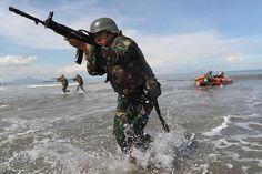 yonif-112-raider-darma-jaya-laksanakan-latihan-tempur-pendaratan-kaki-pantai-3