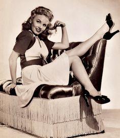 Janet Blair , 1942
