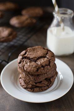 Galletas Cookies, No Bake Cookies, Chip Cookies, Cookies Et Biscuits, Baking Cookies, Double Chocolate Cookies, Dark Chocolate Chips, Chocolate Chocolate, Chocolate Desserts