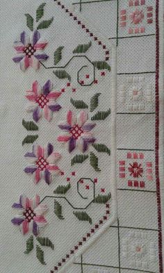 Discover thousands of images about Vintage colorido inusual punto Hardanger por mamsvintagelinens Swedish Embroidery, Hardanger Embroidery, Silk Ribbon Embroidery, Cross Stitch Embroidery, Embroidery Patterns, Hand Embroidery, Cross Stitch Borders, Cross Stitching, Cross Stitch Patterns