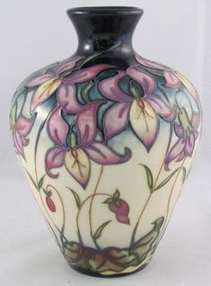 Moorcroft, Queens Meadow, Limited Edition of Rachel Bishop, 2008 Ceramic Vase, Ceramic Pottery, Pottery Art, Ceramic Decor, English Pottery, Rookwood Pottery, Flower Bowl, Pottery Sculpture, Pottery Designs