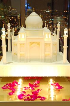 Incredible Taj Mahal #wedding cake. For more information, visit: http://www.yaraswayevents.com/ #weddingcake