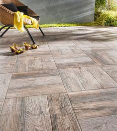 Carrelage terrasse : une texture bois bluffante