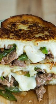 Tonight's dinner with leftover steak Philly Cheese Steak Grilled Cheese. Tonight's dinner with leftover steak Grill Sandwich, Soup And Sandwich, Sandwich Recipes, Steak Sandwiches, Grilled Cheese Recipes, Beef Recipes, Cooking Recipes, Grilled Cheeses, Grilled Cheese Burger
