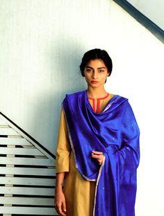 Royal Blue Booti Silk Handwoven Dupatta By Raw Mango Pinned by Sujayita