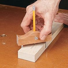 A small center-finder is handy to have around the shop. This one is easy to make and ensures success every time. Awesome Woodworking Ideas, Best Woodworking Tools, Woodworking Joints, Woodworking Workbench, Woodworking Workshop, Easy Woodworking Projects, Woodworking Techniques, Wood Projects, Woodworking Magazines