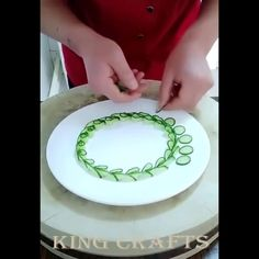 17 Tricks With Fruits And Veggies Amazing Food Decoration, Salad Decoration Ideas, Amazing Food Art, Easy Food Art, Food Art For Kids, Creative Food Art, Food Design, Fancy Food Presentation, Deco Fruit