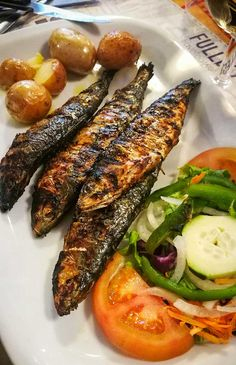 Quick guide to delicious Portugal cuisine Savoury Dishes, Steak, Portugal, Food And Drink, Tasty, Chic, Recipes, Kitchens, Shabby Chic
