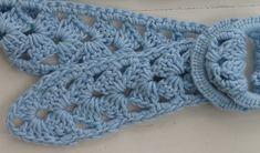 Crochet Belt detail of V stitch.  90% cotton, 10% silk, crochet.    I made my first belt!
