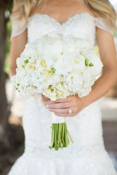 What a gorgeous bouquet designed by Tony Foss Flowers | Photography: Sheradee Hurst Photography | Brides of Oklahoma #bridesofok #oklahomawedding #bouquet