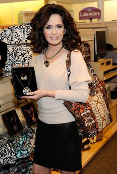 Marie Osmond launches her ''Marie Lifestyle'' accessories and home decor collection by Giftcraft at the Hallmark Gold Crown on November 2009 in Henderson, Nevada. Part of the day's sales will be donated to the Children's Miracle Network. Marie Osmond Hot, Donny Osmond, Sara Gilbert, Richard Thompson, Beautiful Old Woman, Gorgeous Women, Osmond Family, The Osmonds, Big Hair