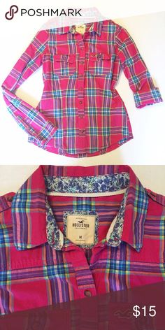 """Hollister Plaid Button Up Super cute button up top from Hollister! Roll the sleeves up or leave them down, it's such a vibrant print! 24"""" Long from shoulder to hem, 18"""" across bust laying flat. 99% Cotton, 1% Elastane. Comfy, cute, and perfect for back to school! Hollister Tops Button Down Shirts"""