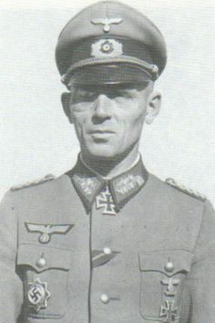 Generalleutnant Carl Rodenburg (17 May 1894 – 5 November 1992) Knight's Cross on 8 October 1942 as Generalmajor and commander of the 76. Infantry-Division; 189th Oak Leaves on 31 January 1943 as Generalmajor and commander of the 76. Infantry-Division